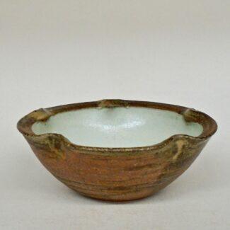 "JL170- Small Anne's White w wash Lobe Bowl 2""h x 6""d"