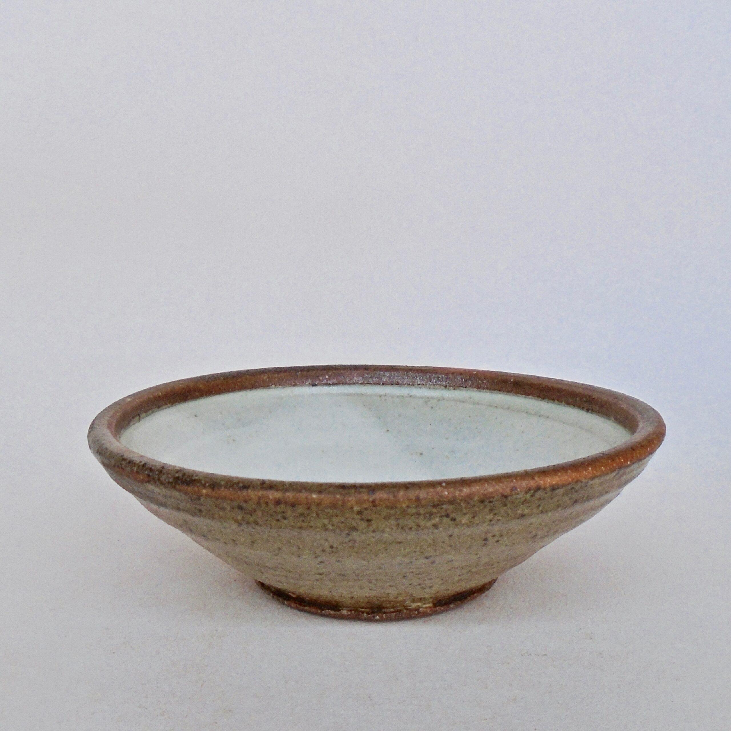 JL203: Anne's White w/wash Soup Bowl