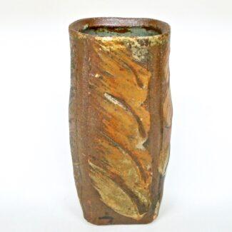 JL347: Wash W/Slip Vase