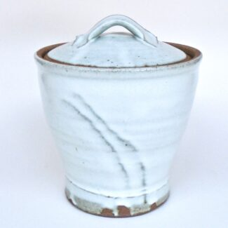JL393: Medium Anne's White Covered Jar
