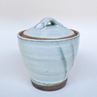 JL398: Small Anne's White Covered Jar