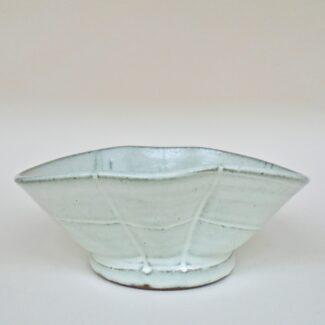 JL453: Anne's White Oval Bowl