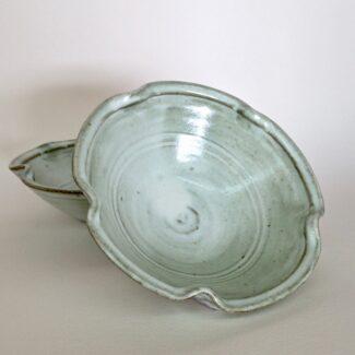 JL525: Anne's White Lobe Bowl